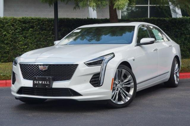 Cadillac CT6 màu Crystal White Tricoat